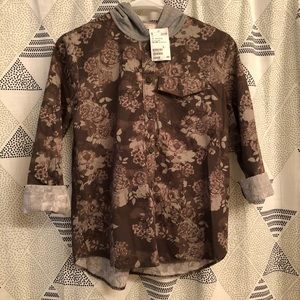 Button up long sleeve tee